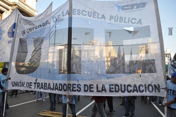 30-04-13-Marcha-contra-Represin-en-el-Borda
