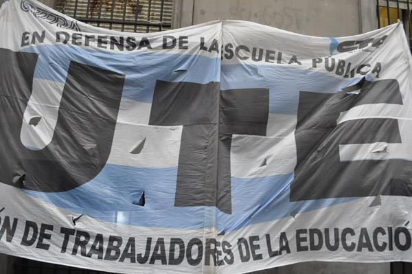 bandera-UTE-2014