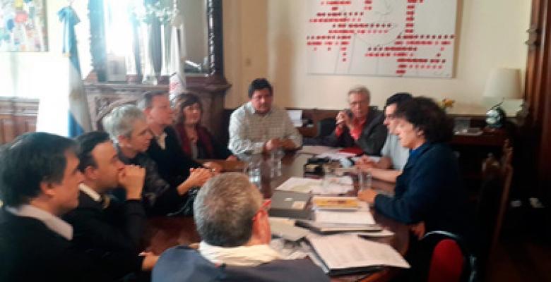 Los Institutos de Cultura y UTE fueron recibidos por el Ministro Ángel Mahler en reclamo de mejores condiciones de trabajo
