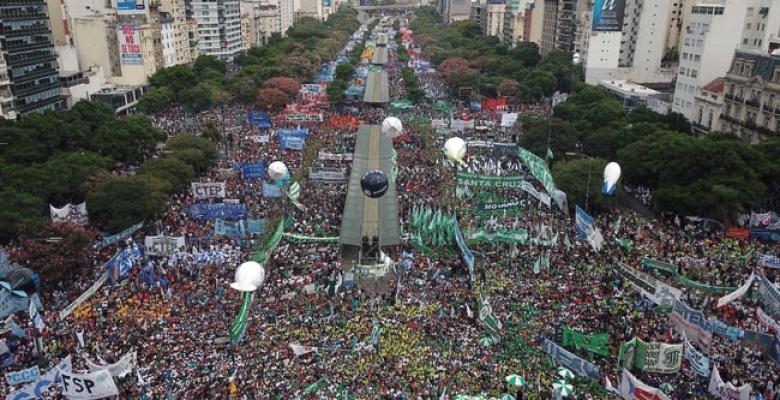 UTE participó de la multitudinaria marcha contra el ajuste