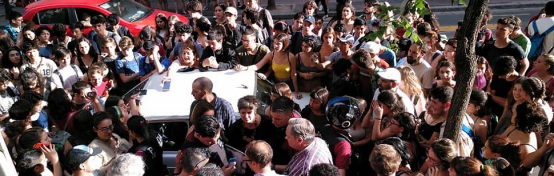 Repudio a la represión de la Policía en el Carlos Pellegrini