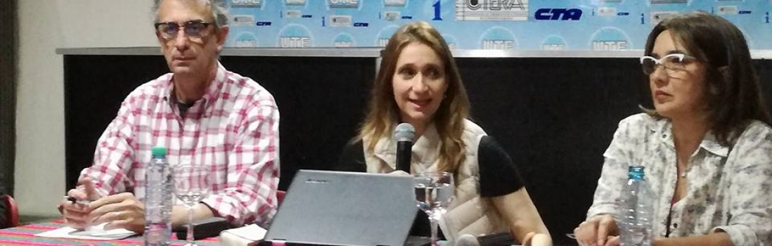 Charla debate con Camilla Croso