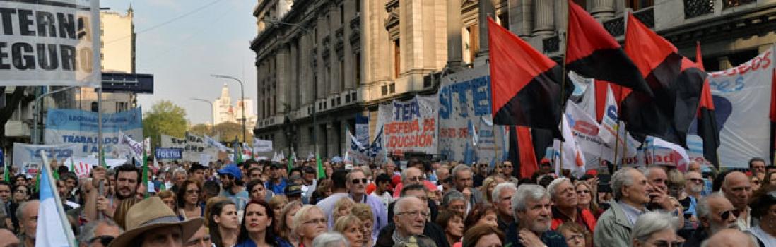 Docentes marcharon en defensa de un Sistema Previsional solidario