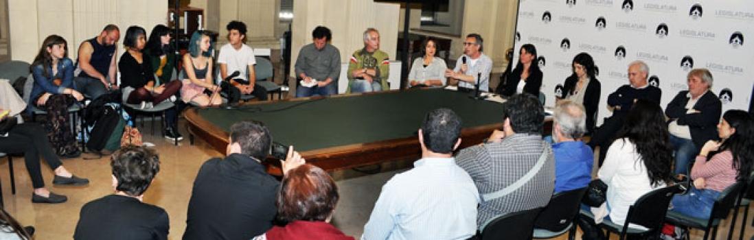 Radio Abierta y reunión con legisladores por la escuela secundaria