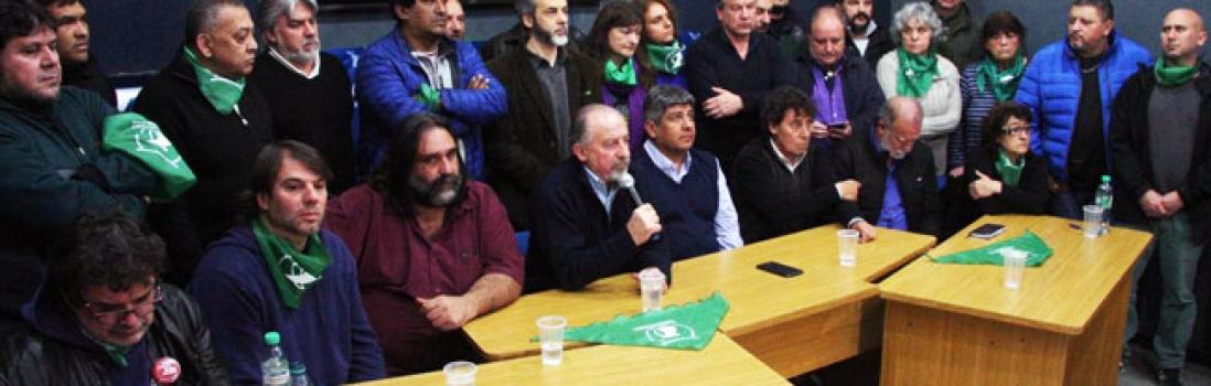 Conferencia de prensa de los trabajadores en la CTA