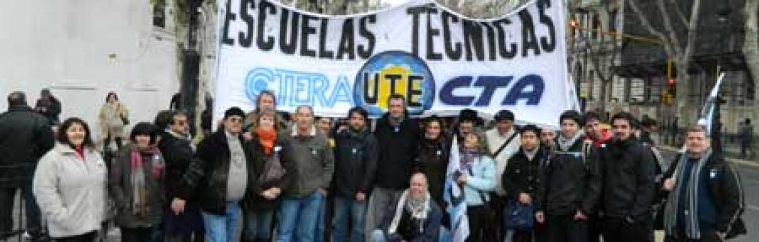 Movilización de los docentes de Técnica