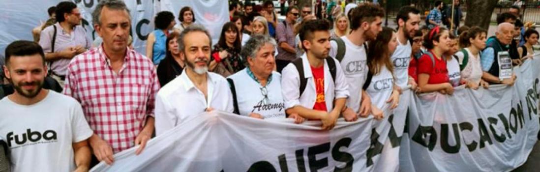 Marcha de Antorchas hacia la Legislatura de la Ciudad