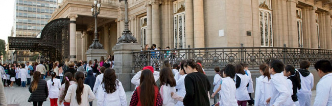 El Gobierno de la Ciudad impide que miles de niños y niñas concurran a una función al Teatro Colón
